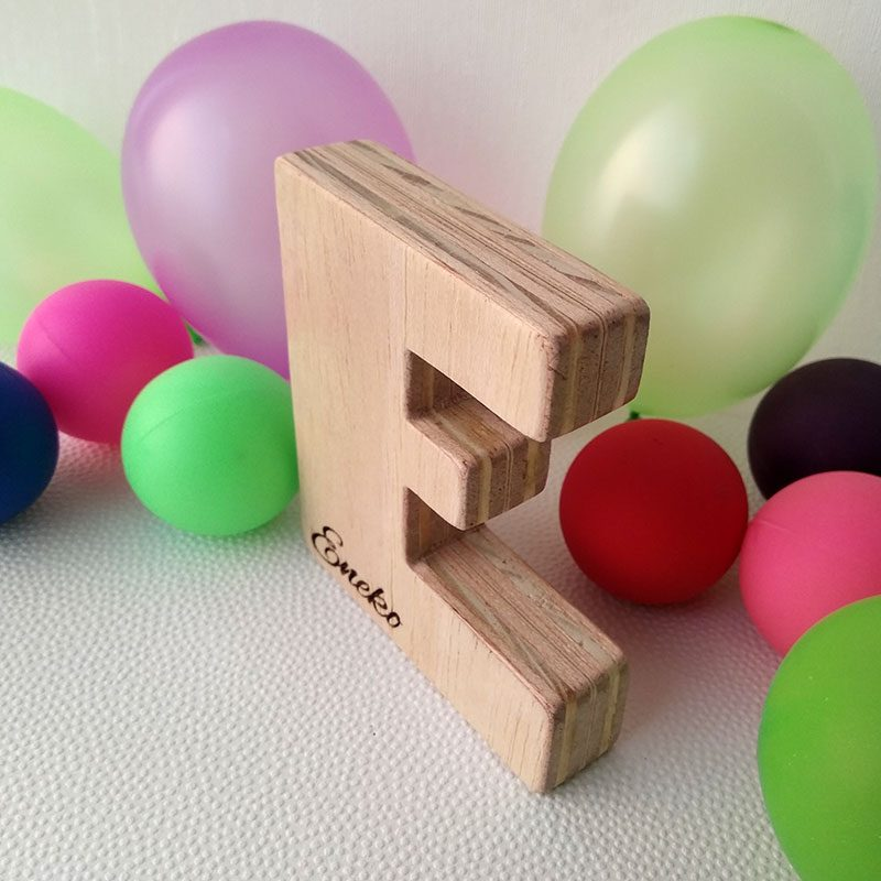 letra e de madera personalizada