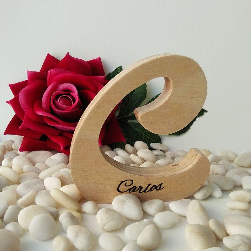 letra c de madera personalizada