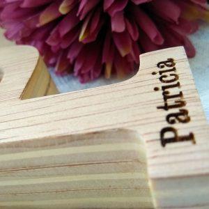 letra-p-con-nombre-patricia-6-300x300 LETRAS DE MADERA PERSONALIZADAS Y TOTALMENTE ARTESANALES