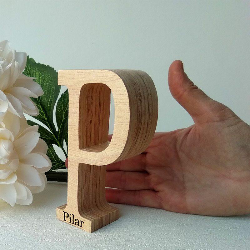 letra p de madera personalizada