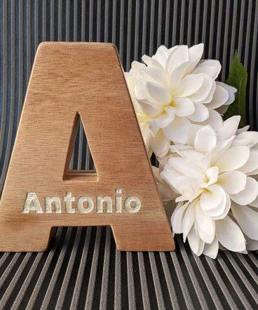 nombre-antonio-grabado-en-letra-a-5-368x442 LETRAS DE MADERA PERSONALIZADAS Y TOTALMENTE ARTESANALES