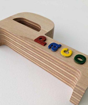 p-simple-de-madera-maciza3-368x442 LETRAS DE MADERA PERSONALIZADAS Y TOTALMENTE ARTESANALES